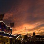 Sonnenuntergang über dem Oktoberfest, Theresienwiese, München